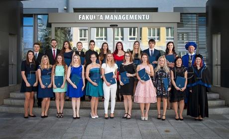 Den studentem Fakulty managementu